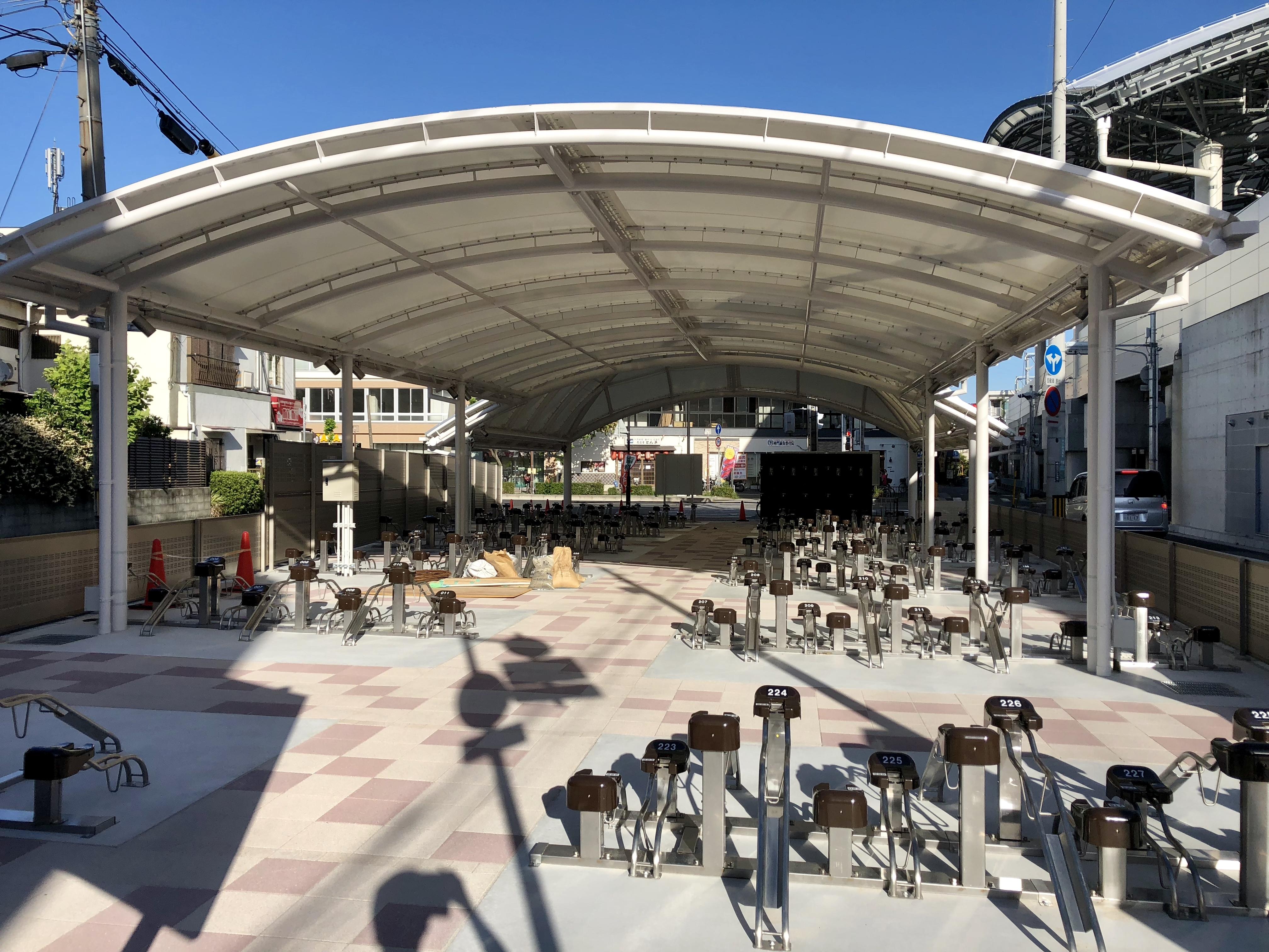 甲子園駅に新たなドーム屋根の駐輪場